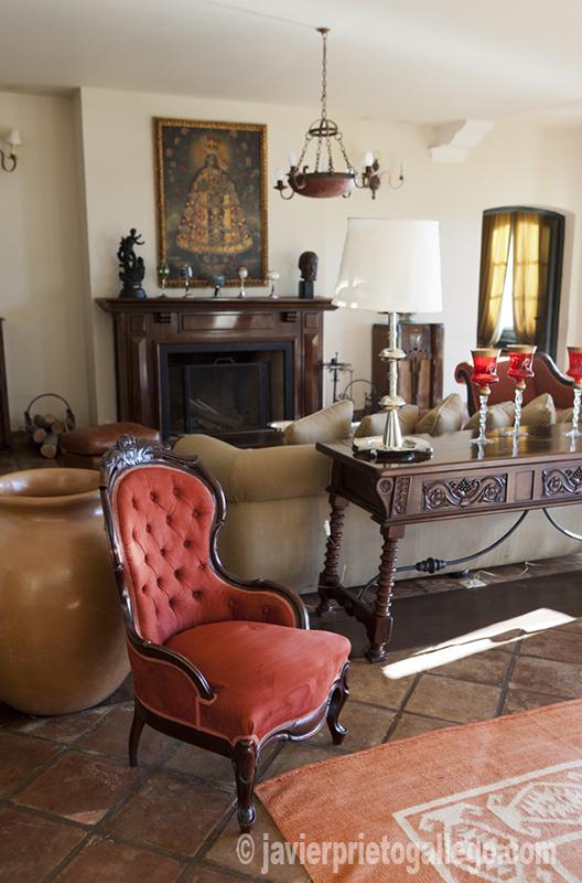 Interior de la bodega Patios de Cafayate, que ofrece también un confortable alojamiento.