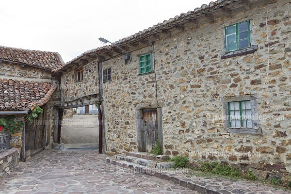 Localidad de Verdeña. Montaña Palentina. Parque Natural de Fuentes Carrionas - Fuente Cobre. Palencia. Castilla y León. España © Javier Prieto Gallego
