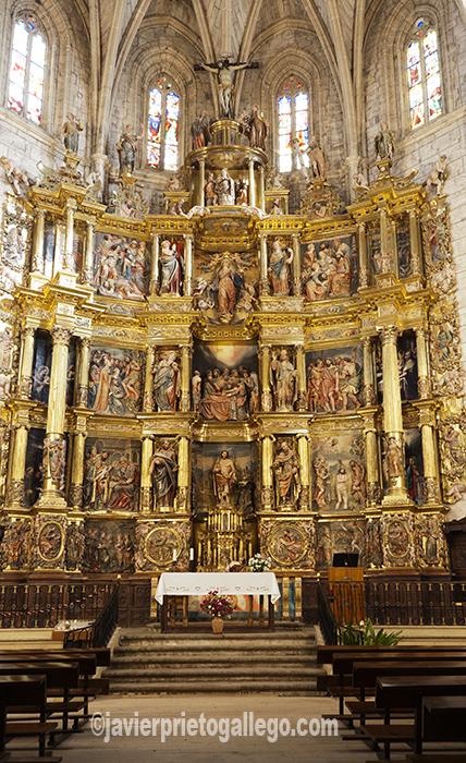 Retablo mayor renacentista de la iglesia de San Juan Bautista. Localidad de Santoyo.Tierra de Campos. Palencia. Castilla y León. España. © Javier Prieto Gallego