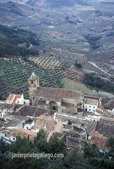Localidad de Segura de la Sierra vista desde su castillo. Sierras de Cazorla, Segura y Las Villas. Jaén. Andalucía. España ©Javier Prieto Gallego