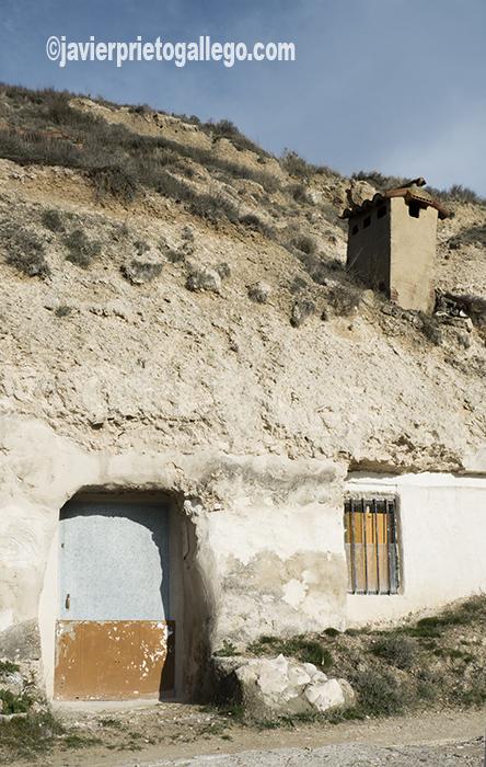 Viviendas rupestres en la Cuesta de la Horca. Cevico Navero. Palencia. Castilla y León. España. © Javier Prieto Galleg