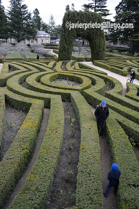 Jardínes de la Casita del Príncipe, construida por Juan de Villanueva en 1771. Monasterio de El Escorial. Madrid. España ©Javier Prieto Gallego;