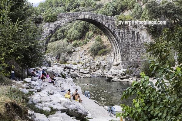 Garganta de Alardos. Zonas de Baño. Localidad de Madrigal de la Vera. Comarca de la Vera. Cáceres. Extremadura. España. © Javier Prieto Gallego