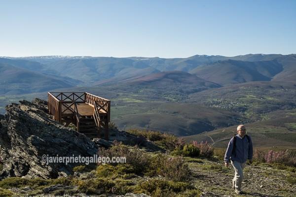 Sanabria desde el mirador del cerro de San Juan (1.419 m.). Comarca de Sanabria. Zamora. Castilla y León. España ©Javier Prieto Gallego