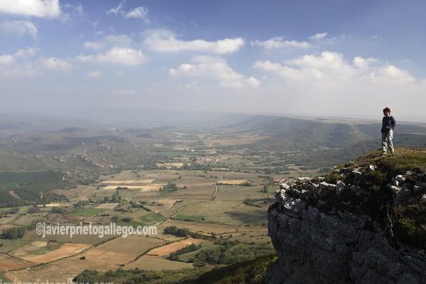 Valle de Valderredible desde el Mirador de Valcabado en el páramo de La Valdivia. Espacio Natural de Covalagua. Palencia. España. © Javier Prieto Gallego