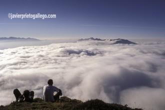 Mar de nubes desde el Mirador de la Fuente del Chivo. [Estación de esquí del Alto Campoo en verano. Cantabria. España. © Javier Prieto Gallego]