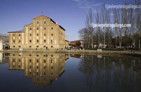 La Fábrica de San Antonio. Dársena de Medina de Riosceo. Canal de Castilla. Ramal de Campos. Valladolid. Castilla y León. España. © Javier Prieto Gallego;