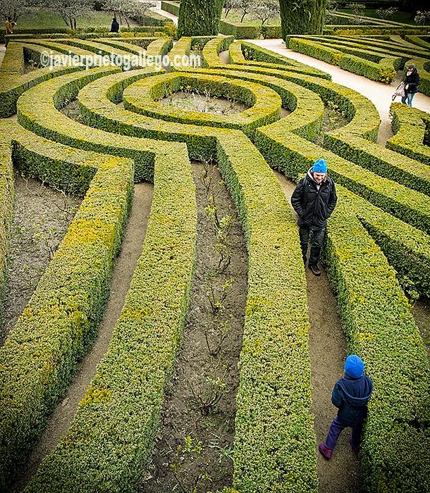 Laberinto en los jardines de la casita del pr ncipe san for Los jardines de la cartuja