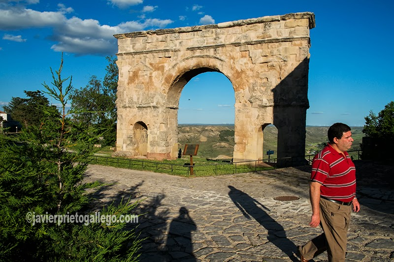Arco romano de Medinaceli. Siglo I. Soria. Castilla y León. España. © Javier Prieto Gallego