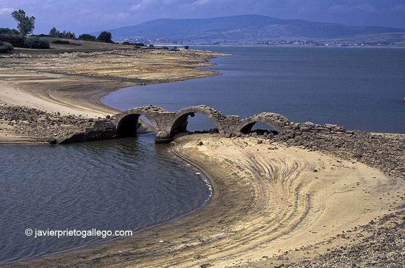 Embalse del Ebro. Playa de Arija. Burgos. Castilla y León. España. © Javier Prieto Gallego