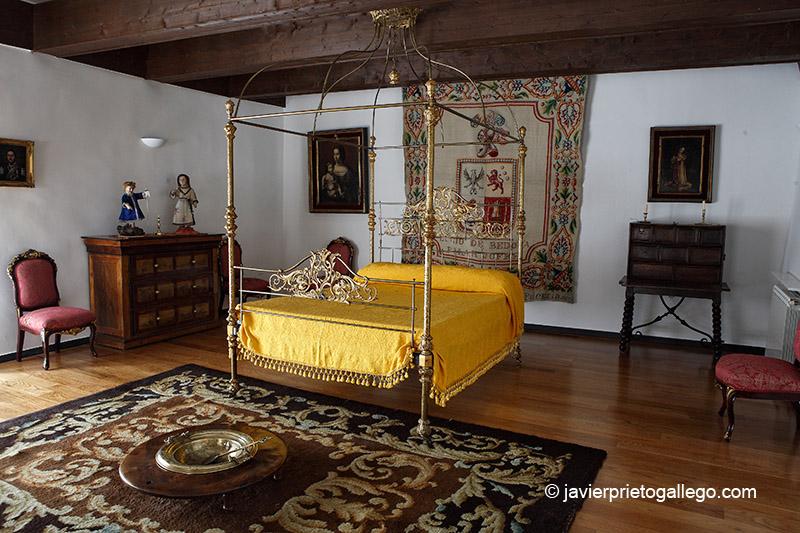 Piezas del museo del Monasterio de Santa Clara. Localidad de Astudillo. Palencia. Castilla y León. España © Javier Prieto Gallego