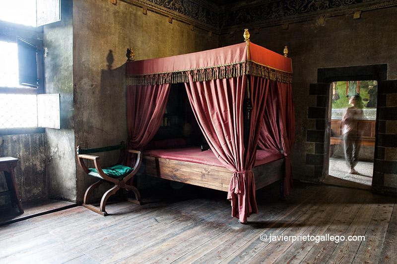 Habitación de Margarita de la Chambre. Castillo de Issogne. Siglo XIV-XV. Valle de Aosta. Alpes Italianos. Italia. © Javier Prieto Gallego