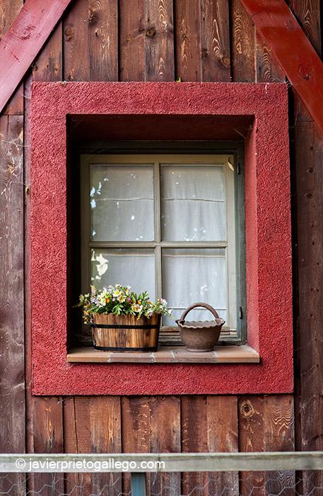 Arquitectura tradicional en la Pradera de Navalhorno. Valsaín. Segovia. Castilla y León. España, 2011 © Javier Prieto Gallego;