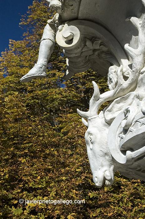 Detalle de uno de los jarrones que adornan el Parterre de la Fama. La Granja de San Ildefonso. Segovia. España. © Javier Prieto Gallego;