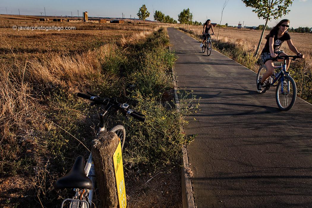 Vía Verde del Esla, entre Castrofuerte y Valencia de Don Juan. León. Castilla y León. España © Javier Prieto Gallego;