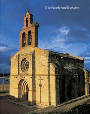 Ermita del Cristo. Localidad de Castronuño. Castilla y León. España. © Javier Prieto Gallego
