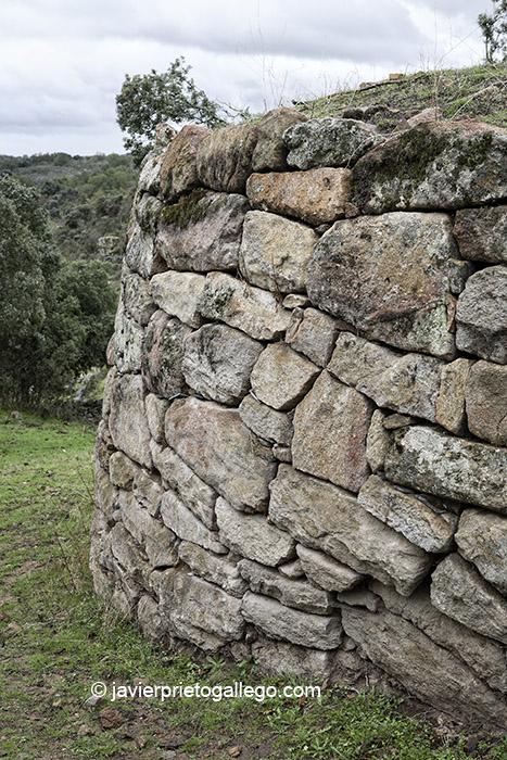 Puerta y muralla occidental. Castro vetton de Las Merchanas. Lumbrales. Salamanca. España. © Javier Prieto Gallego;