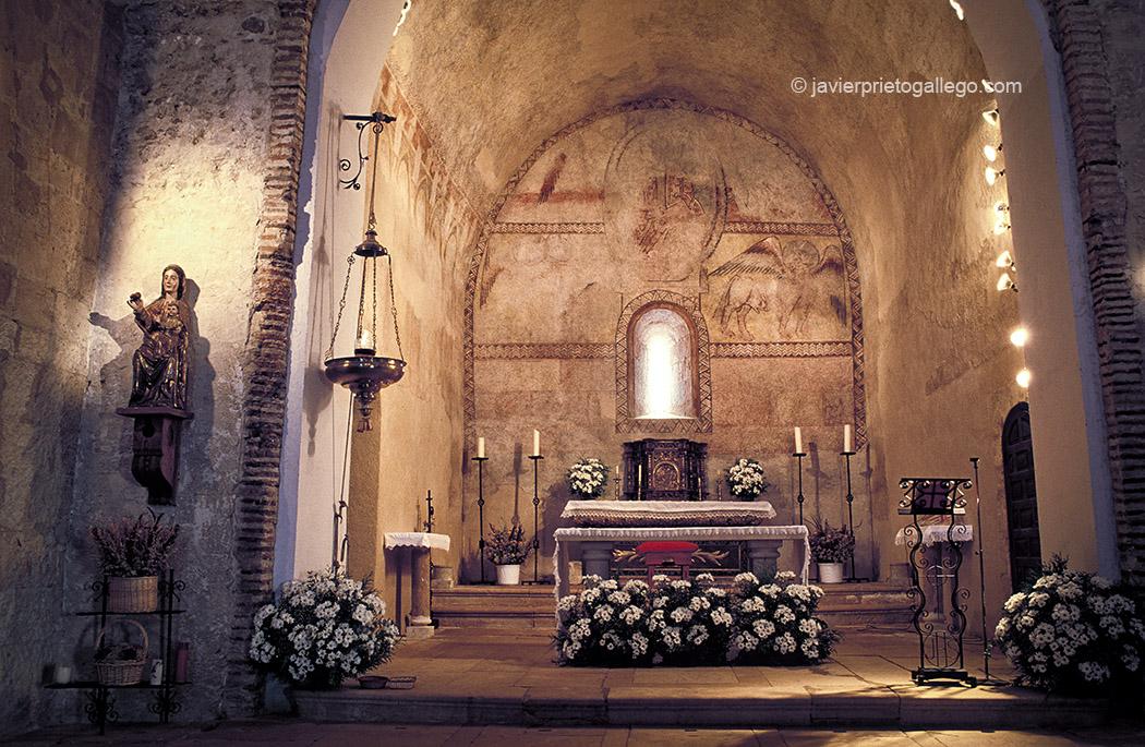 Interior de la iglesia de Sotosalbos. Segovia. Castilla y León. España. © Javier Prieto Gallego