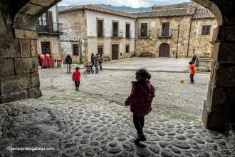 Soportales en la Plaza Mayor. San Martín de Trevejo. Cáceres .Sierra de Gata. Extremadura. España. © Javier Prieto Gallego