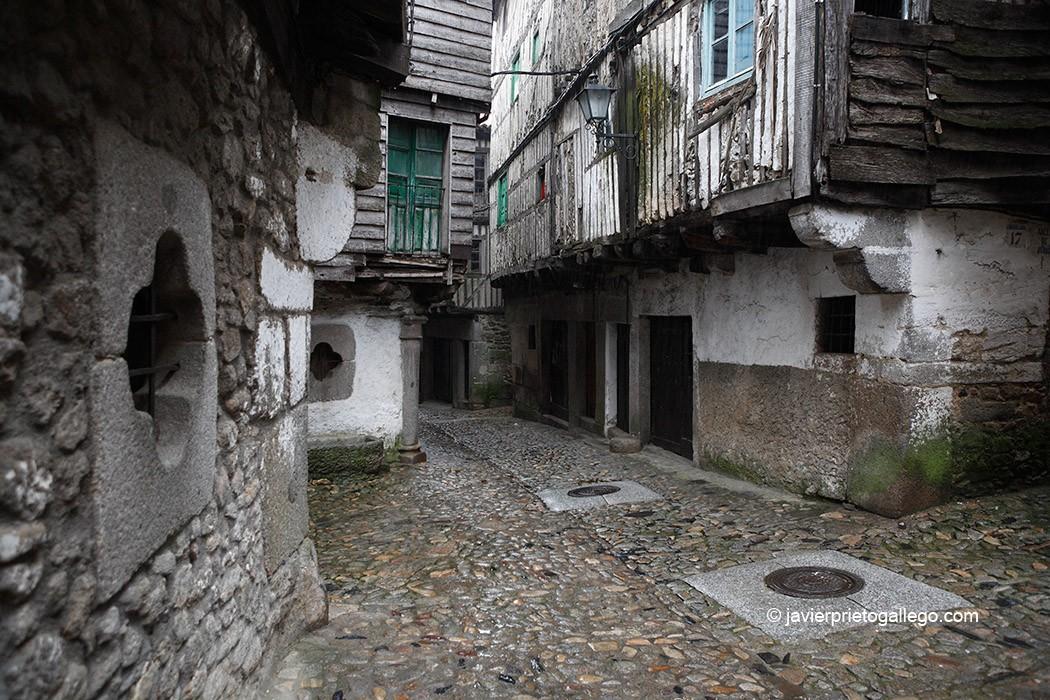 Fachadas con entramado de madera. Calle típica de La Alberca. Sierra de Francia. Salamanca. Castilla y León. España. © Javier Prieto Gallego