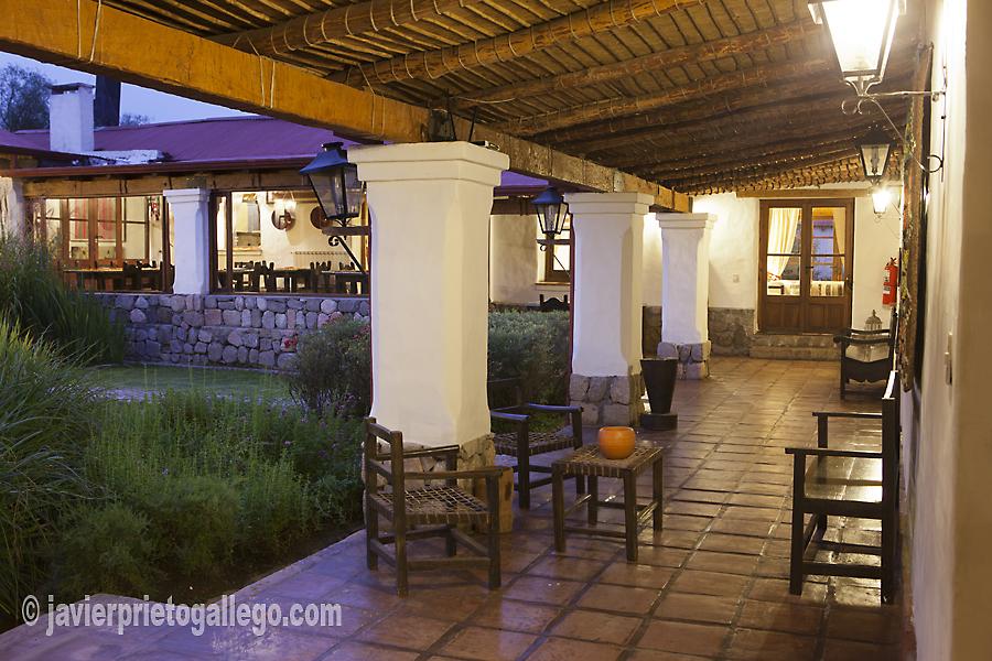 """Estancia jesuítica """"Las Carreras"""" a 12 km de Tafí del Valle. Fue construida en torno 1718. Hotel rural. Provincia de Tucumán. Argentina © Javier Prieto Gallegowww.estancialascarreras.com"""