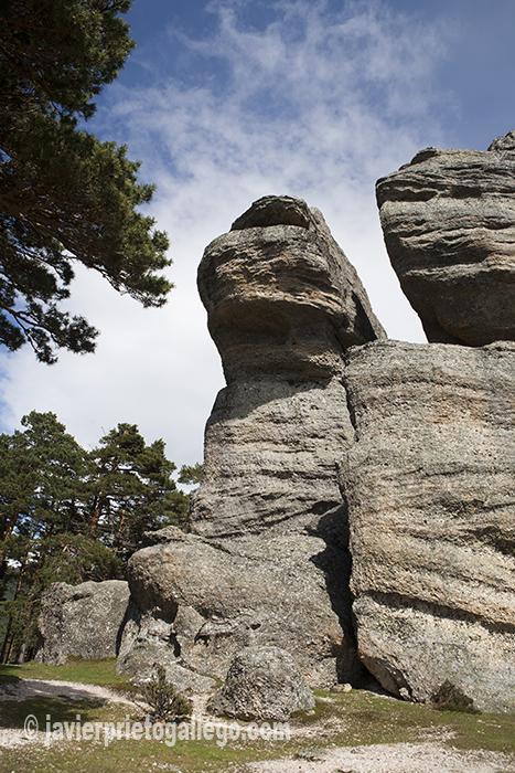 La erosón ha dibujado sorprendentes formas sobre la roca en el paraje de Castroviejo © Javier Prieto Gallego.