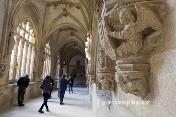 Claustro realizado por Juan de Colonia en el siglo XVI. Monasterio de San Salvador. Oña. © Javier Prieto Gallego.