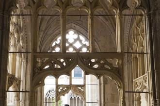 Claustro realizado por Juan de Colonia en el siglo XVI. Monasterio de San Salvador. Oña. Montes Obarenes. Burgos. Castilla y León. España. © Javier Prieto Gallego.