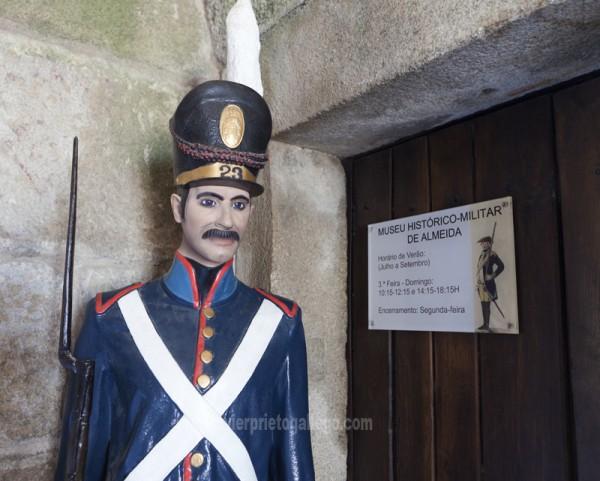 Entrada a una de las salas del Museo Histórico-Militar ubicado en las puertas de San Francisco de la Cruz. Fortificación de Almeida. Región de Beira. Portugal. © Javier Prieto Gallego