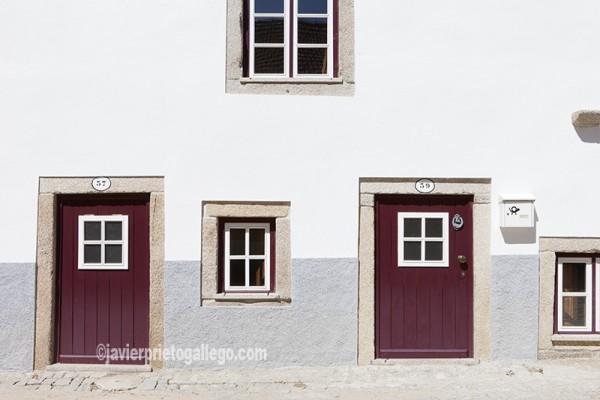 Fachada de una casa. Almeida. Región de Beira. Portugal. © Javier Prieto Gallego