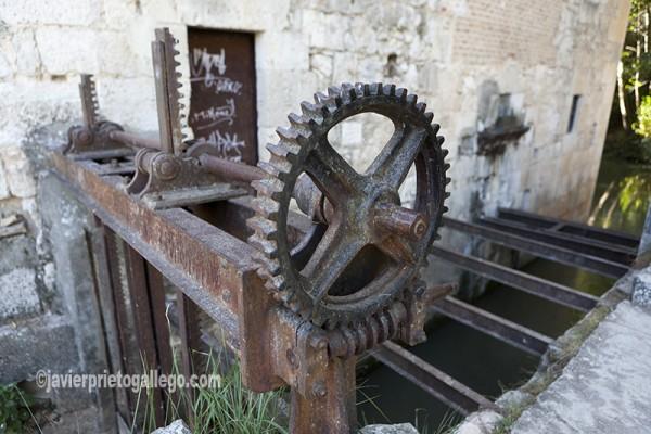 Aceña en Quintanilla de Onésimo. En el comienzo del Canal del Duero. Valladolid. Castilla y León. España. © Javier Prieto Gallego