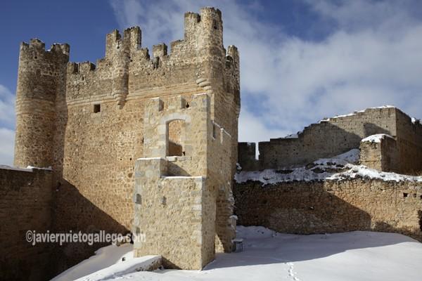 Imagen invernal de la torre del homenaje. Castillo de Berlanga de Duero. Soria. Castilla y León. España. © Javier Prieto Gallego
