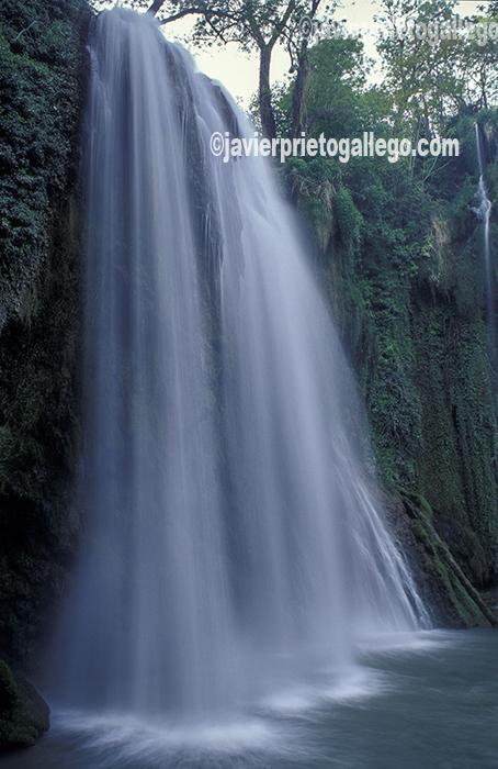 Una de las cascadas del Monasterio de Piedra. Aragón. España. © Javier Prieto Gallego