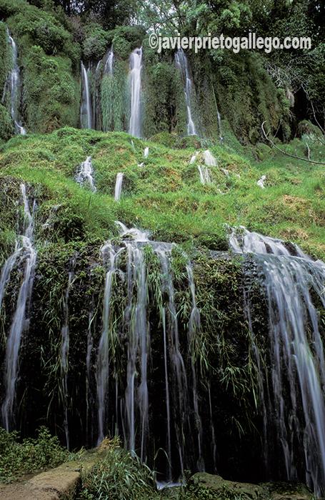 Cascada de los Chorreaderos en el Monasterio de Piedra. Aragón. España. © Javier Prieto Gallego