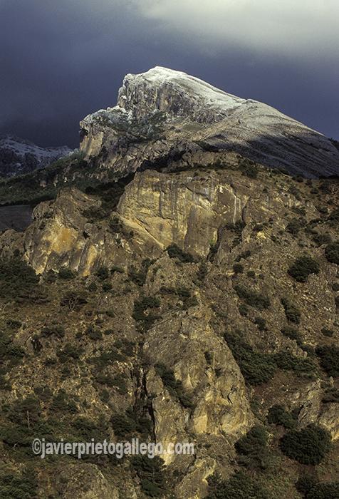 Laderas de la sierra en el parque natural de las Sierras de Cazorla, Segura y Las Villas. Jaén. Andalucía. España ©Javier Prieto Gallego