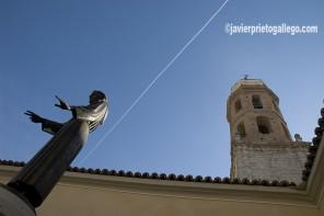 Estatua de San Pedro Regalado. Plaza del Salvador. Valladolid. Castilla y León. España. ©Javier Prieto Gallego]