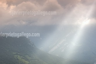 Cielo tormentoso en el Valle de Ponga. Concejo de Ponga. Asturias. España.© Javier Prieto Gallego