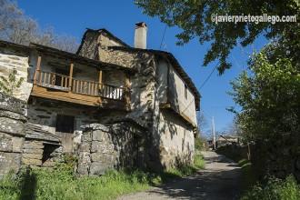 Arquitectura tradicional en la localidad sanabresa de San Juan de la Cuesta. Comarca de Sanabria. Zamora. Castilla y León. España ©Javier Prieto Gallego