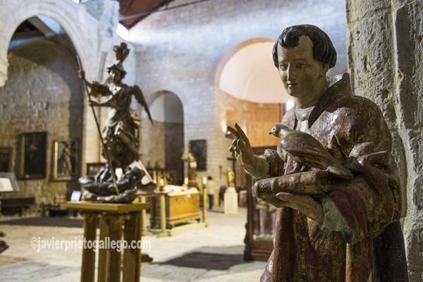 Piezas en el Museo de la iglesia de Santiago. Carrión de los Condes. El Camino de Santiago a su paso por Palencia. Palencia. Castilla y León. España. © Javier Prieto Gallego