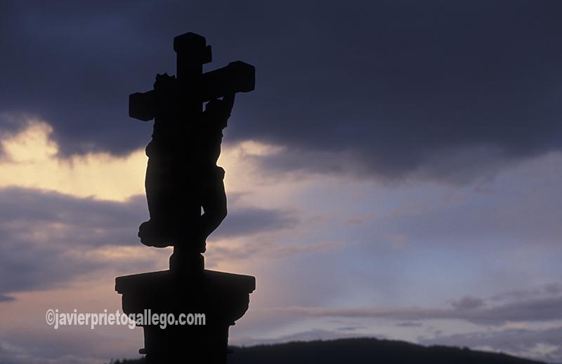 Cruceiro junto al convento del Carmén, en Padrón. A Coruña. España. © Javier Prieto Gallego