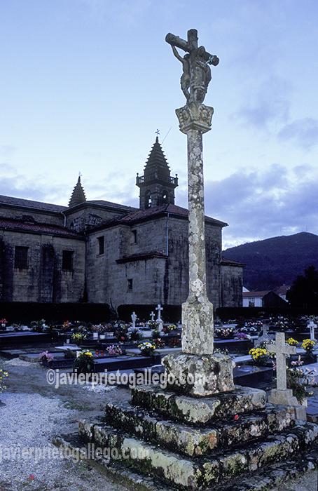 Cruceiro en el cementerio de Adina, Iria Flavia. Padrón. A Coruña. España. © Javier Prieto Gallego