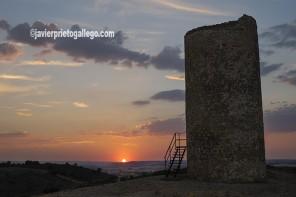 Atalaya defensiva musulmana de Quintanilla de los Barrios. Cerca de San Esteban de Gormaz. Camino del Cid. Soria. © Javier Prieto Gallego;