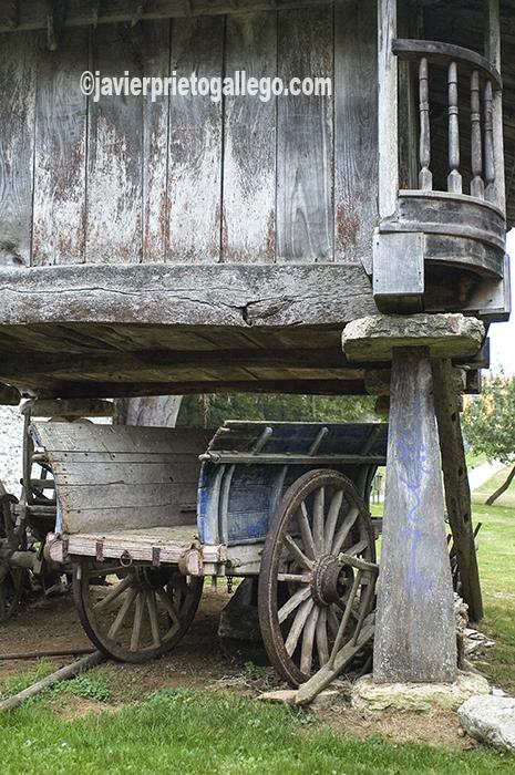 Horreo del siglo XVIII. Museo Etnográfico del Oriente de Asturias. Porrúa. España.© Javier Prieto Gallego