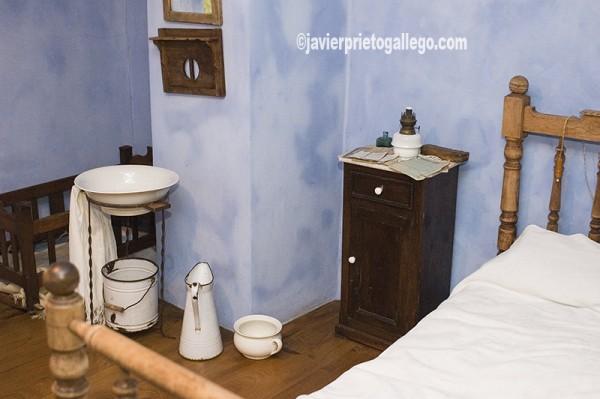 Dormitorio. Museo Etnográfico del Oriente de Asturias. Porrúa. España.© Javier Prieto Gallego