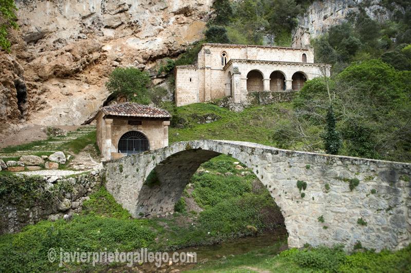 Nuestra señora de La Hoz. Localidad de Tobera. Valle de Tobalina. Burgos. Castilla y León. España © Javier Prieto Gallego