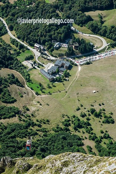 Vista desde la estación de El Cable, la estación superior del teleférico de Fuente Dé. Valle de Liébana. Cantabria. España. © Javier Prieto Gallego