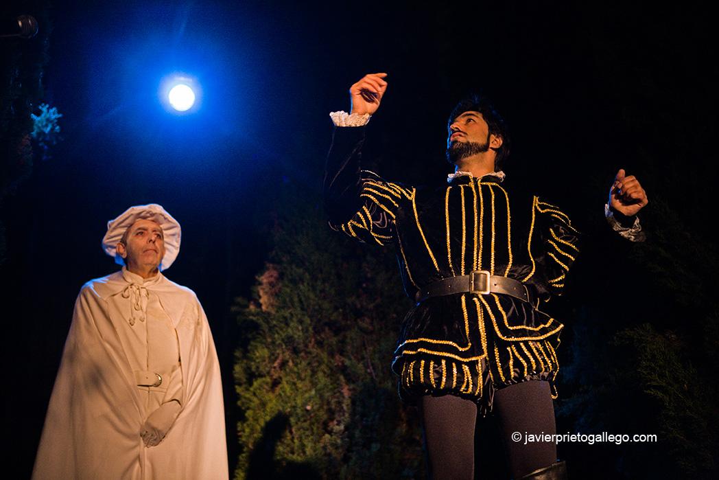 Representación de escenas del Tenorio en el patio del Museo Casa de José Zorrilla. Valladolid. Castilla y León. España © Javier Prieto Gallego