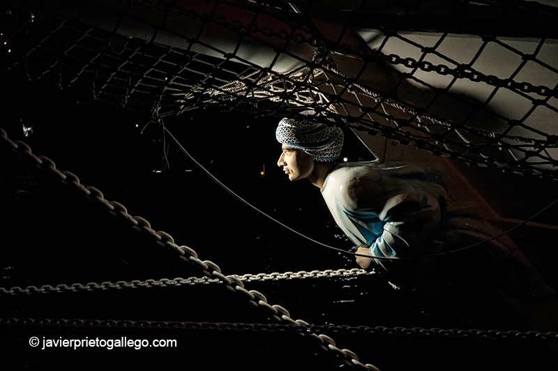 """mascarón de proa de barco de Oman """"Shabab of Oman"""" durante las celebración del Sail'05. Agosto de 2005. [Sail'05. Ámsterdam. © Javier Prieto Gallego]."""