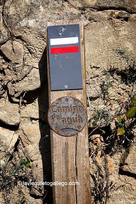 Señalización del Camino del Agua en Mogarraz. Sierra de Francia. Salamanca.Castilla y León. España. © Javier Prieto Gallego