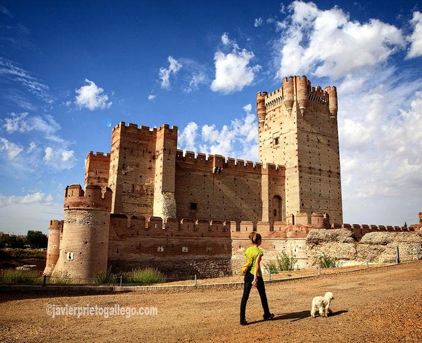 [Foto: Castillo de la Mota. Siglo XV. Medina del Campo. Valladolid. Castilla y León. España. © Javier Prieto Gallego]